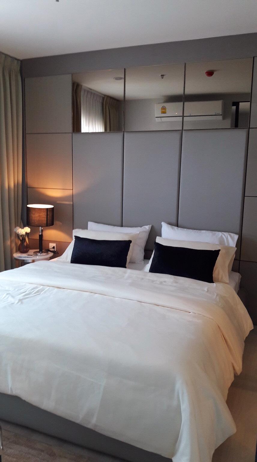 For Rent Life Asoke high rise condo in Asoke – Petchaburi