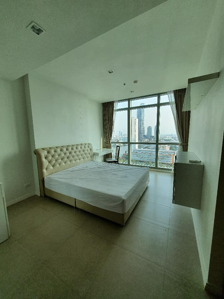 The River Condo Krungthonburi BTS, close to Iconsiam ***Special Price 49,000***