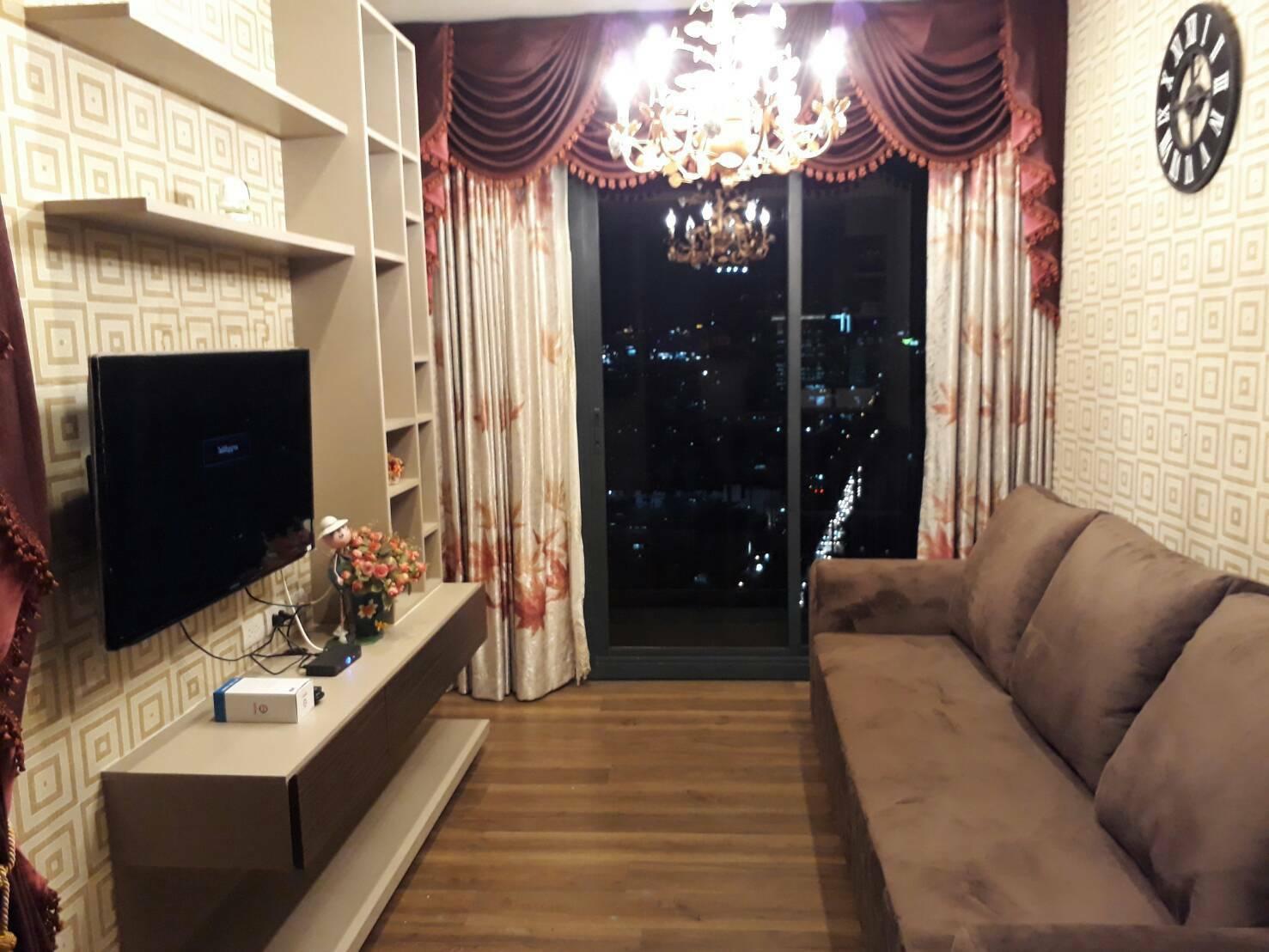 ONYX Phaholyothin – BTS Saphan Khwai 200 meters – Corner Unit 43 sqm
