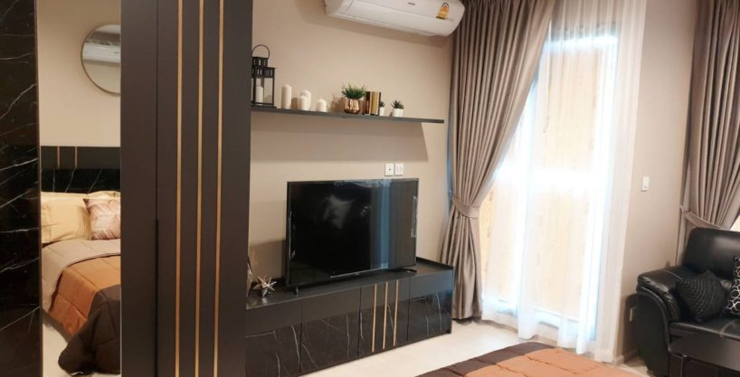 Life One Wireless for Rent ***Special Price 16,000 Baht/Month***Garden View