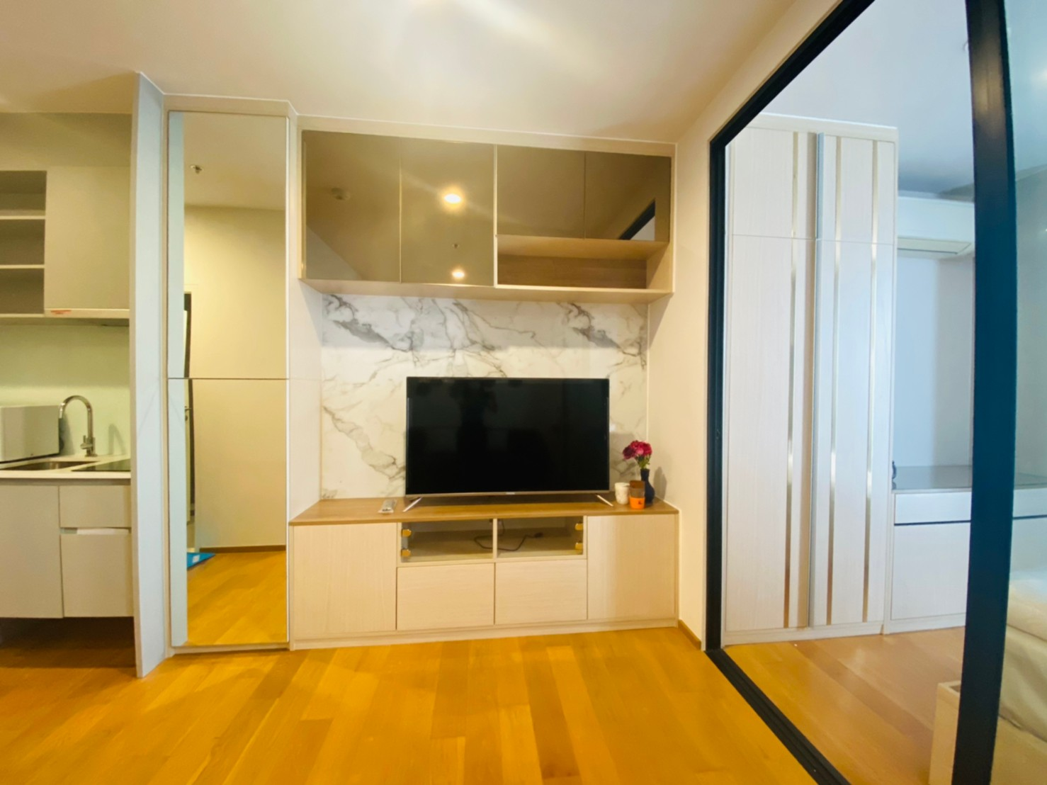 NOBLE REVO SILOM – BTS Surasak 160 meters – Unit 34 Sq.m